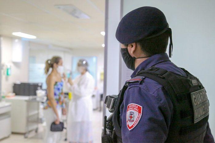 Guarda Municipal cumpre o plano de segurança durante vacinação contra Covid-19