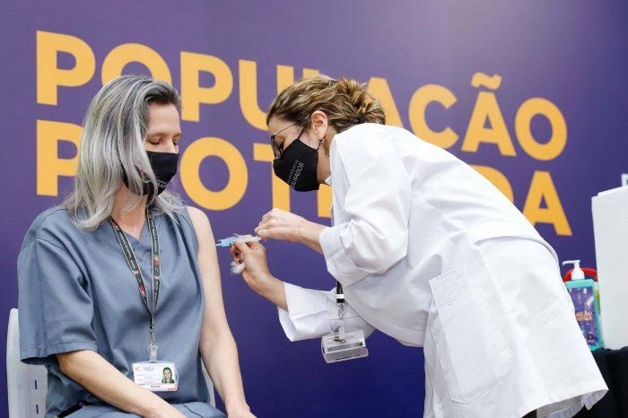 Paraná já vacinou 136,2 mil pessoas contra a Covid-19