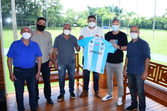 Londrina apresenta novo patrocinador de camisa para 2021