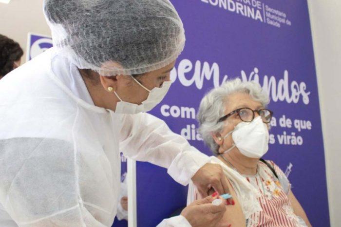 Londrina recebe mais de 8 mil doses de vacina para idosos de 65 a 69 anos