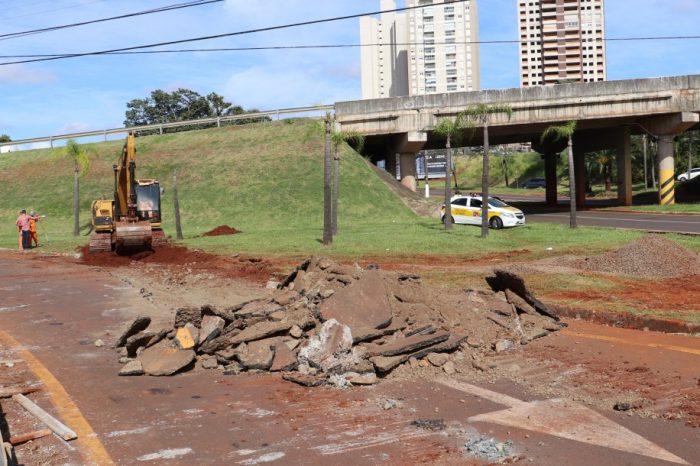 """Construção do """"Oitão"""" interdita acesso da PR-445 à Madre Leônia"""