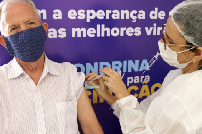 Londrina inicia vacinação contra Covid-19 para idosos de 65 anos