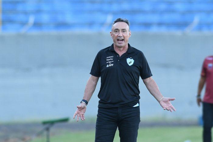 """Roberto Fonseca exalta vitória do LEC e dispara: """"nós fizemos ficar fácil"""""""
