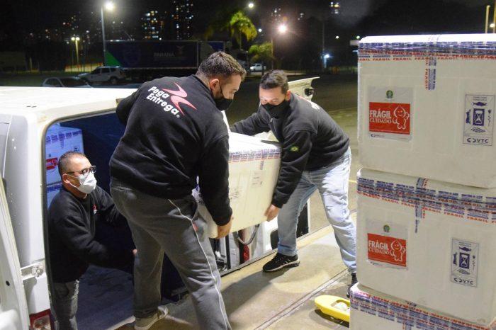 Com mil doses a mais, Paraná recebe novo lote e alcança marca de 6 milhões de vacinas