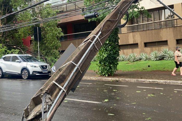 Temporal deixa mais de 10 mil casas sem energia em Londrina