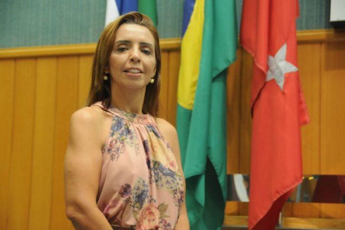 Presidente da comissão, Mara Boca Aberta aponta falhas no Terminal Central e até mesmo falta de higienização em ônibus