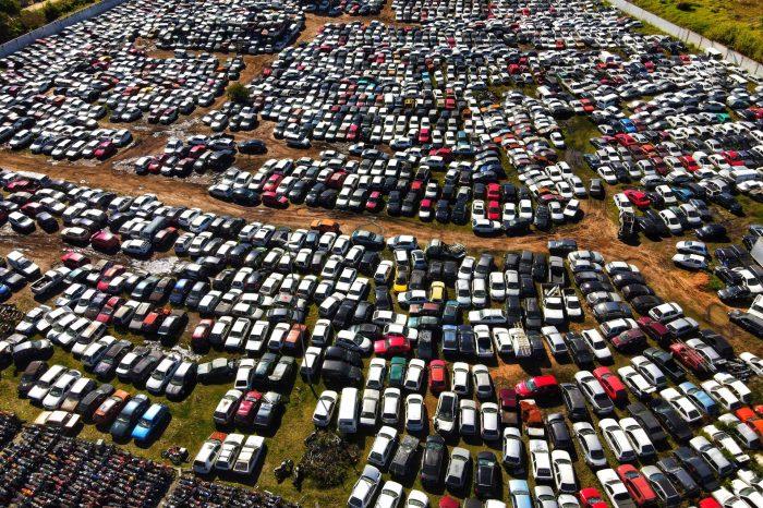 Detran realiza leilão de 3.068 veículos para reaproveitamento de peças